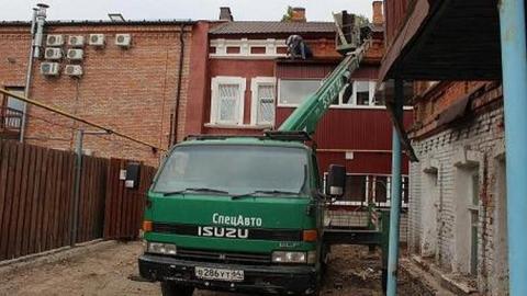 На Некрасова снесли пристройку к дому должника