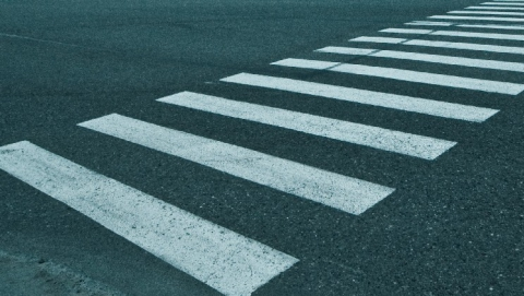 """Женщина на """"Джили"""" сбила пешехода на """"зебре"""" на Новоастраханском шоссе"""