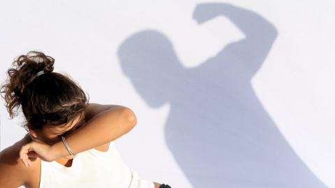 Саратовец избил сожительницу и угрожал ее убить
