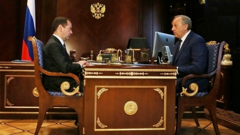 Губернатор поведал Дмитрию Медведеву омногострадальном переезде вСенном