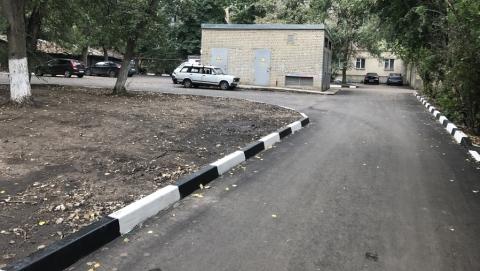 Виктор Марков проверил качество ремонтных работ во дворах Волжского района