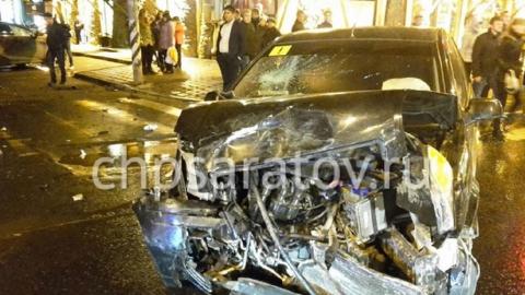 """Двое детей пострадали в аварии с """"Лексусом"""" и """"Фордом"""" в Саратове"""