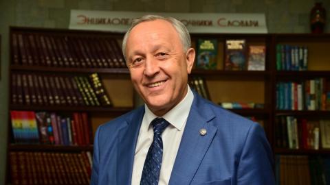 Минниханов сохранил лидерство вмедиарейтинге глав регионов ПФО