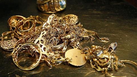 Из саратовского ломбарда вынесли золото на полмиллиона рублей