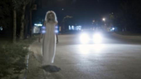 В Хвалынске автомобиль сбил стоявшую на проезжей части женщину и скрылся