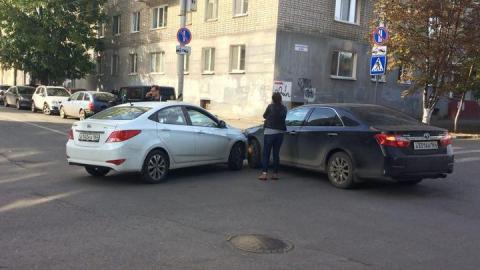 """На Первомайской автоледи на """"Тойоте"""" не уступила """"Хундаю"""""""