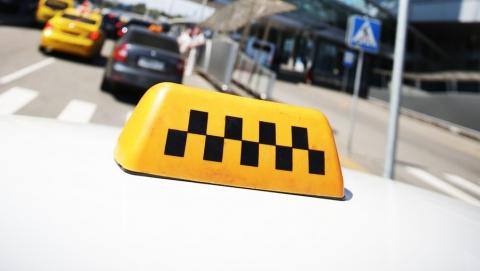 Энгельсский таксист признался в вымогательстве