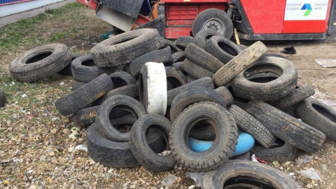 Энгельсский ЭкоТехноПарк вернул 15 кубометров автомобильных шин нарушителям законодательства