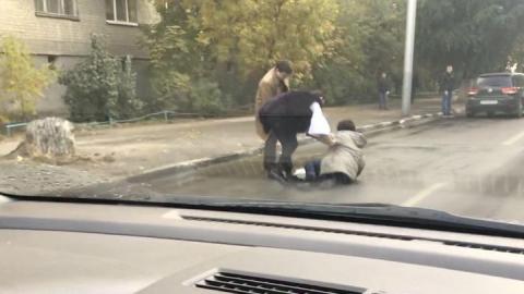 """На Чернышевского водитель """"Фольксвагена"""" выехал на встречку и сбил женщину"""