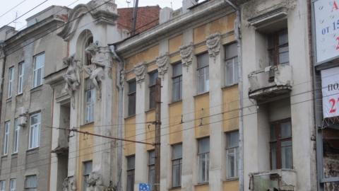 """Саратовский """"дом с кариатидами"""" превратят в арендное жилье к 2019 году"""