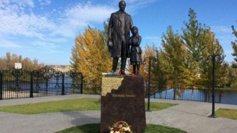 Цена на памятники саратов с Бердск цены на памятники орел авторский