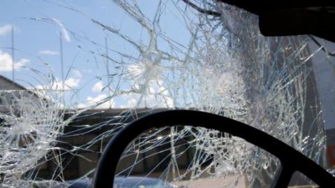 В Романовском районе автоледи на иномарке вылетела в кювет