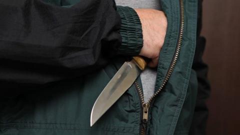 Саратовец с ножом напал на незнакомца около его дома