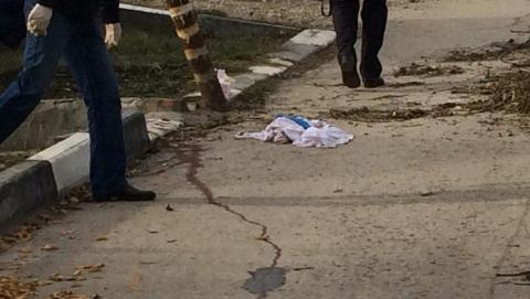 Место убийства саратовского предпринимателя Джейхуна Джафарова оцеплено