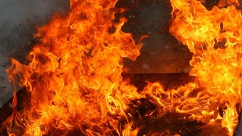 На пожаре в Вольске погибли мужчина и женщина