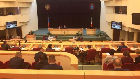 Владимир Писарюк больше неявляется депутатом Саратовской областной думы