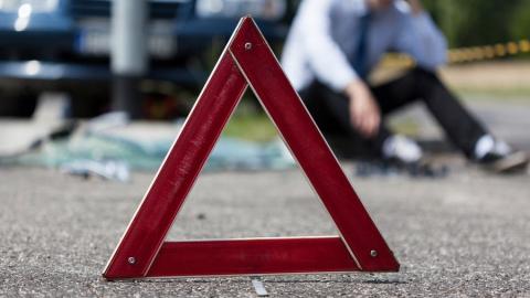 Под Саратовом два человека погибли при столкновении легковушки с грузовиком