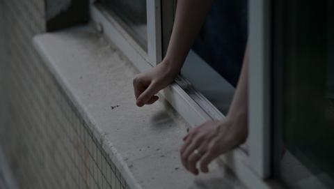 Гражданин Энгельса убил знакомого ивыбросил его тело счетвертого этажа