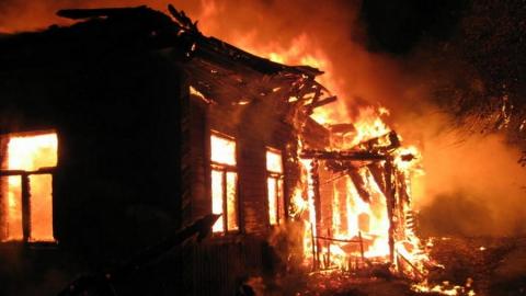 Напожаре в личном  доме погибла супружеская пара