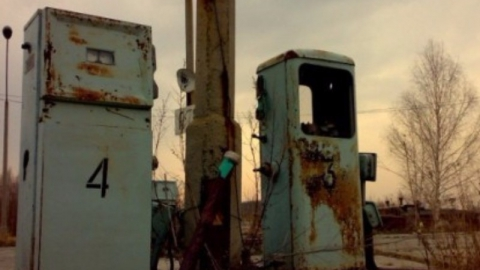 Пенсионер похитил металлическую дверь с заброшенной заправки под Саратовом