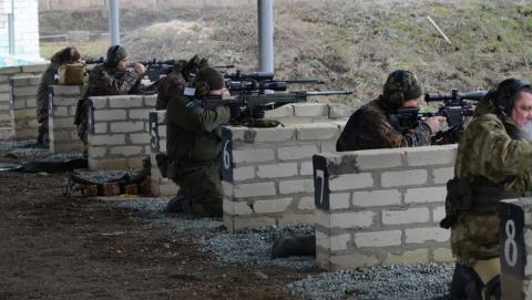 Налоговики отметили профессиональный праздник соревнованиями по стрельбе