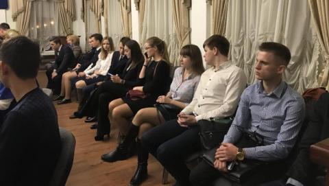 Саратовские студенты попросили главу города о трудоустройстве на стройке и в лагерях