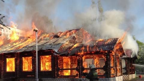 Заснувший на диване саратовец погиб на пожаре у себя дома