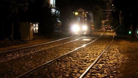 В Саратове трамвай насмерть сбил мужчину на улице на Гвардейская
