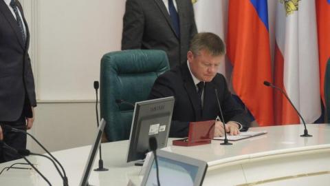 Губернатор наподписании контракта оконцессии «Саратовводоканала»: «Чопики вбивать уже некуда»