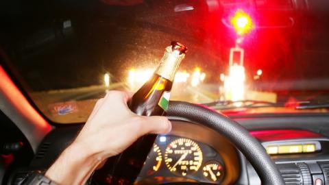 Пьяный житель Маркса угнал машину собутыльника и попал в аварию