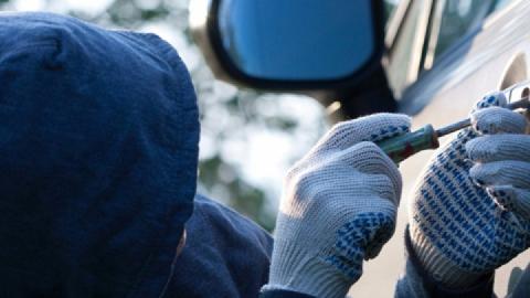 В Саратове парень пристрастил подростка к угону машин