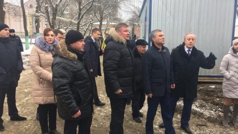 Вячеслав Володин обсудил с главой Саратова строительство дома для переселенцев в Елшанке