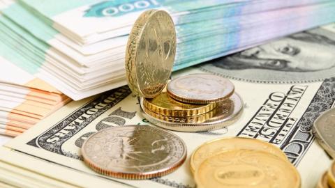 Российский рубль подешевел по сравнению с долларом