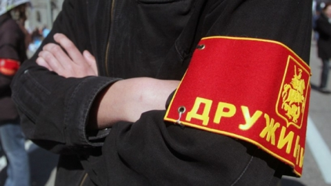 Поломку пюпитра у снеговиков объяснили нехваткой добровольцев на бульваре Рахова