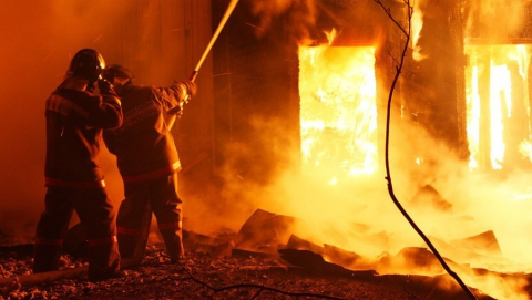 В Саратове возгорание в частном доме тушили 16 пожарных