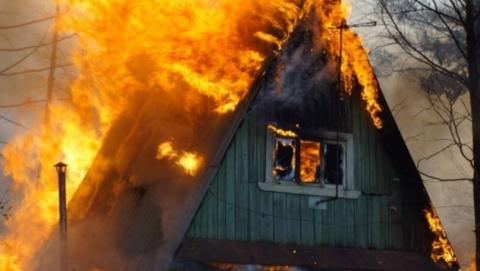 ВПерелюбском районе напожаре умер мужчина вспальне приятельницы