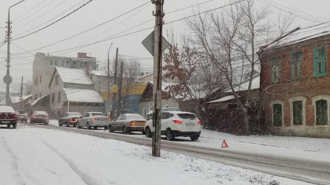 Четыре машины столкнулись на перекрестке Чапаева и 1-го Магнитного проезда в Саратове