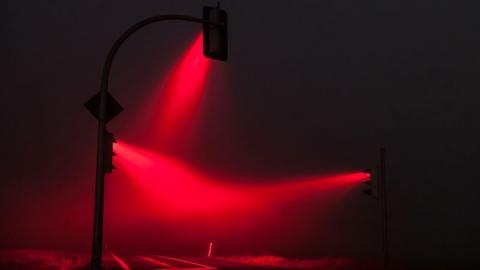 Более 70 саратовских водителей оштрафовали за игнорирование сигналов светофора