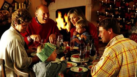 Глава МЧС призвал саратовцев быть осторожными в новогодние каникулы