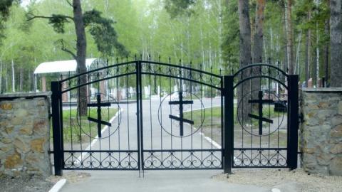 Полицейские поймали подозреваемого в краже оград с кладбищ