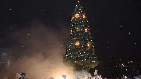 В Саратове открыли главную елку города и посмотрели видеообращение Деда Мороза