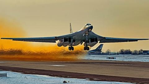Энгельсские летчики выполнили сложнейшую ночную дозаправку ввоздухе