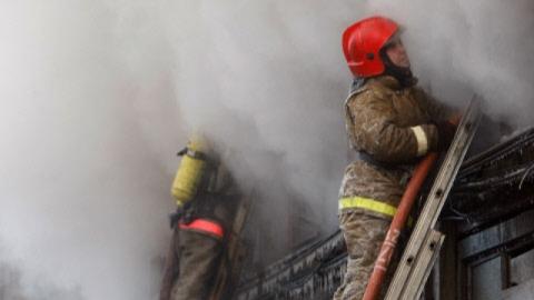 Изгорящего дома вСаратове эвакуировали 35 человек