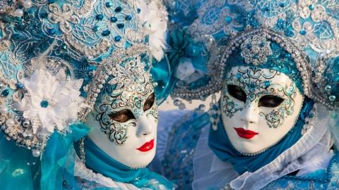 В Саратове устроят карнавальное шоу и сыграют музыку Энио Морриконе