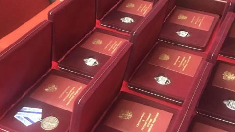 В преддверии Нового года саратовцы получили президентские награды