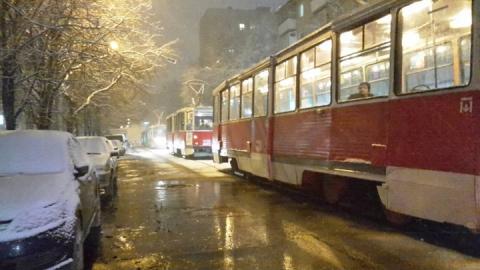 В Саратове прервано движение трамваев у остановки на Рахова