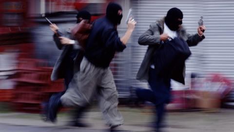 Волгоградцы попытались ограбить сельский ювелирный магазин