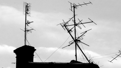 Поправлявший антенну на крыше мужчина погиб от сердечного приступа