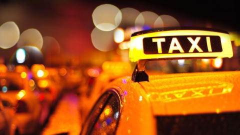 В Балаково таксист обокрал местного топливного магната