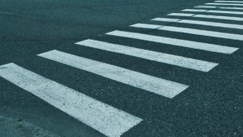 """""""Девятка"""" сбила пенсионера на пешеходном переходе"""